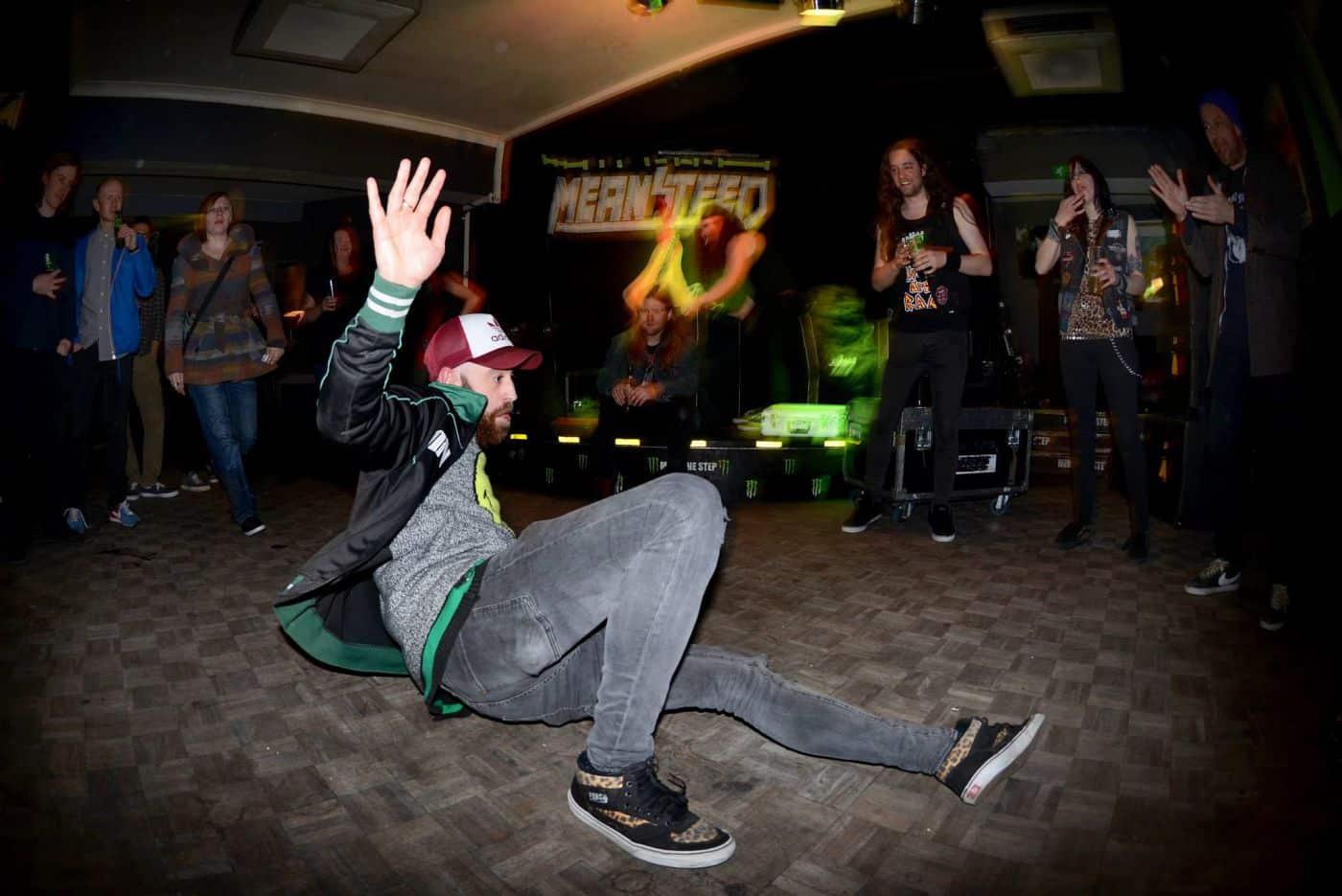 Tommy breakdancing